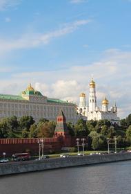В Кремле не подтвердили информацию о планах сделать дни между майскими праздниками нерабочими