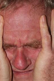 Мясников перечислил признаки «опасной» головной боли