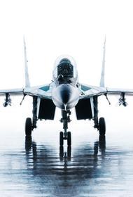 Истребитель МиГ-31 перехватил самолет-разведчик ВВС США у побережья Камчатки