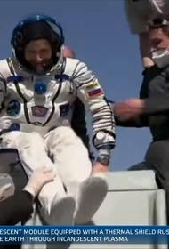 Российские космонавты Рыжиков и Кудь-Сверчков и американский астронавт Рубинс вернулись на землю. Опубликовано видео