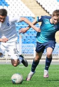 Челябинские футболисты обыграли самарцев