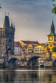 Посол РФ в Чехии отказался отвечать на вопросы после общения с главой МИД