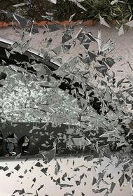 Видео, как Mercedes протаранил пассажирский автобус в Московской области