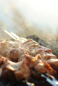 Специалисты рассказали о правильном выборе мяса для шашлыка