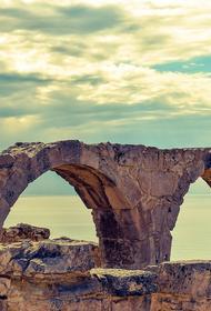 Независимая комиссия выявила незаконную выдачу 3,5 тысячи «золотых паспортов» властями Кипра