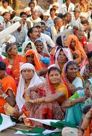 Богатые индийцы покидают свою родину из-за опасного штамма коронавируса