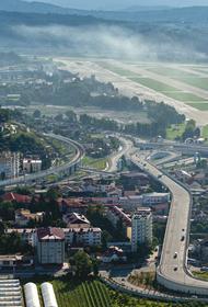 Аэропорт Сочи в субботу не смог принять 21 рейс, около двух тысяч человек застряли в воздушной гавани из-за непогоды