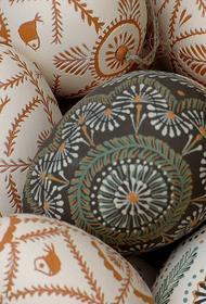 Священник Павел Островский объяснил привычку «биться яйцами» на Пасху