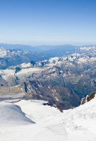 На Эльбрусе нашли тела пропавших больше недели назад альпинистки и гида