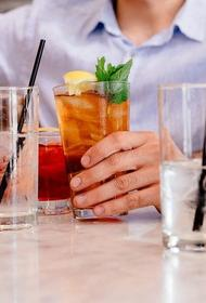 Нарколог Брюн предупредил об опасности алкоголя натощак, но назвал допустимую дозу