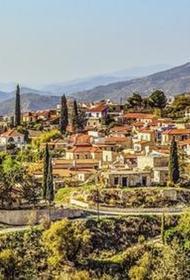 На Кипре вводят новые правила для вакцинированных пассажиров, прибывающих с 10 мая