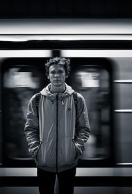 Мужчина погиб под колесами поезда в московском метро на станции Кунцевская