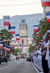 Генералы «вылечат Францию сильнодействующими средствами»