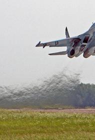 Российский истребитель Су-27 перехватил три французских самолета над Черным морем