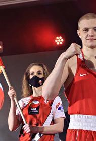 Василий Каверин из Иркутска завоевал звание чемпиона по боксу на первенстве мира