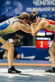 В Бурятии проходит чемпионат России по вольной борьбе среди женщин