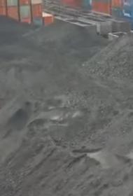 Пока люди тонут в угольной пыли, дальневосточный порт спокойно платит штрафы и увеличивает погрузку