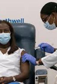 В США для привитых от коронавируса проведут лотерею и раздадут много разных «пряников»