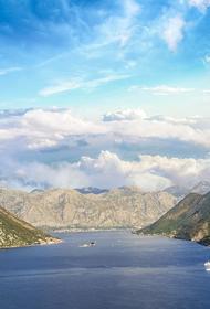 Черногория сняла ограничения для всех туристов на въезд в страну