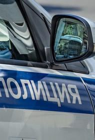 Легковой автомобиль врезался в остановку в Курске, есть пострадавшие