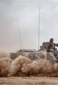 Появилось видео с забрасыванием камнями колонны армии США жителями сирийской Аль-Джавадии