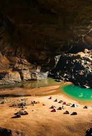 Шондонг – самая большая пещера в мире, расположенная во Вьетнаме
