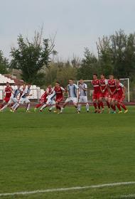 Футболисты из Челябинска одержали победу над командой из Новотроицка