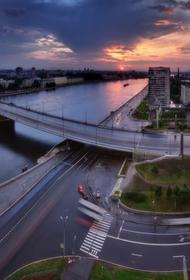 Санкт-Петербург протестует против строительства мусоросортировочной станции на Октябрьской набережной