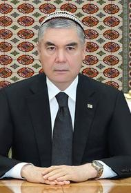 Траур в доме президента. В Туркмении чиновников обязали обрить головы в память об отце главы государства