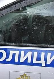 Автомобиль упал в реку на Нагатинской набережной в Москве