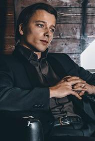 Актер из «Гардемаринов» записал вирусный ролик в рясе и получил проблемы с РПЦ