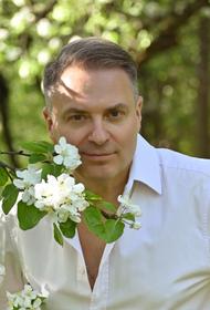 Александр Добронравов: о Маниже, шансоне и «трех аккордах»