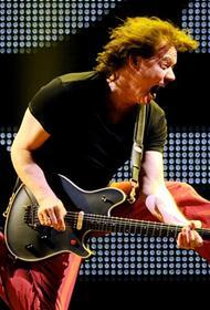 Сын легендарного гитариста Эдди Ван Халена заявил, что пандемия лишила его отца шанса на выздоровление