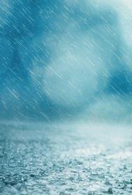 В Краснодаре мощный ливень привел к затоплению трех улиц