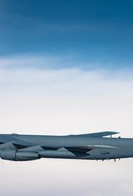 Бывший сотрудник Генштаба Сивков: американский ядерный бомбардировщик B-52 «очень опасен для России»