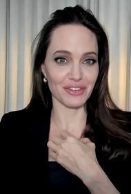 СП: Анджелина Джоли провела вечер в компании бывшего мужа Джонни Ли Миллера
