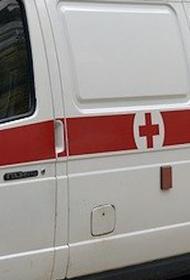 При падении части фасада здания в Санкт-Петербурге пострадала женщина