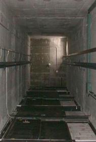 Хабаровский подросток погиб, упав в шахту лифта