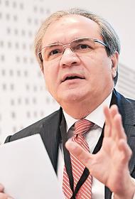 Глава СПЧ Валерий Фадеев заявил, что не готов выступить против обязательной вакцинации из-за роста числа заболевших COVID-19