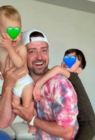 Джастин Тимберлейк и Джессика Бил впервые показали младшего ребёнка
