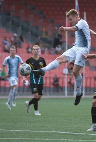 Футболисты Челябинска отметили успешное завершение сезона