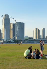 В Сингапуре медики призвали приостановить вакцинацию мальчиков от COVID после смерти в США привившегося подростка