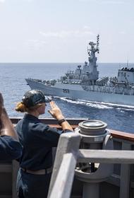 Baijiahao: после инцидента с британским Defender Черное море спешно покинул эсминец США Laboon