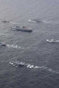 Три надводных корабля, две ДЭПЛ  ВМФ РФ и боевая авиация ВКС РФ отрабатывают боевые задачи ввиду авианосной ударной группы НАТО