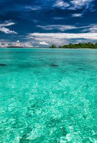 У берегов Бали погибли несколько человек при крушении судна с десятками пассажиров на борту