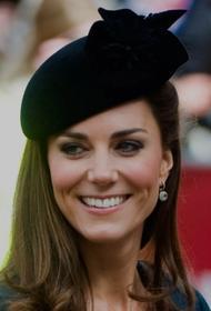 Стало известно почему на открытии памятника принцессе Диане не было Кейт Миддлтон