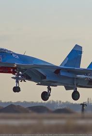 Палубные истребители С-33, работая с сухопутного аэродрома, выполнили около 20 учебно-боевых вылетов