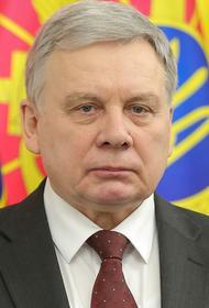 На Украине министр обороны Таран и главком ВСУ Хомчак встретились с курсантками и обсудили каблуки