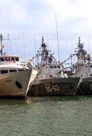 Украина угрожает открыть огонь по российским кораблям в Керченском проливе
