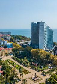 По поручению главы Сочи в городе убрали 37 незаконных рекламных конструкций